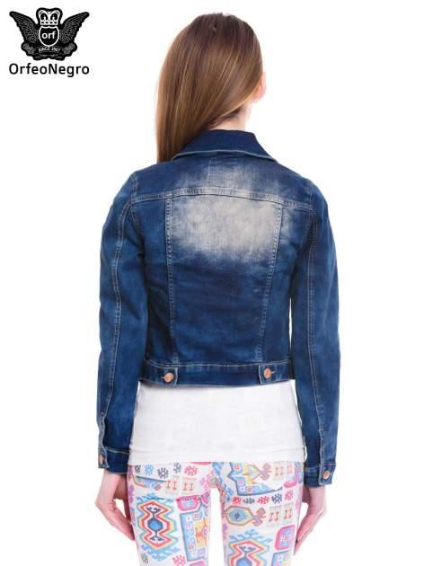 Ciemnoniebieska kurtka jeansowa damska z cieniowaniem i poszarpaniem                                  zdj.                                  4