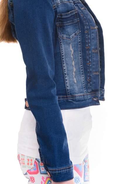 Ciemnoniebieska kurtka jeansowa damska z cieniowaniem i przetarciami                                  zdj.                                  6
