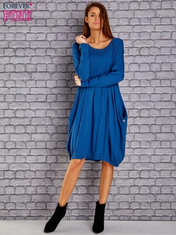 Ciemnoniebieska sukienka oversize ze ściągaczem na dole                                   zdj.                                  2
