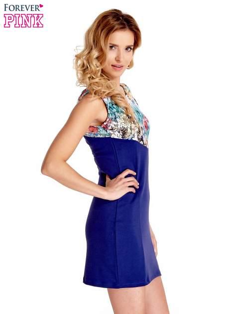 Ciemnoniebieska sukienka z kwiatową koronką                                  zdj.                                  3