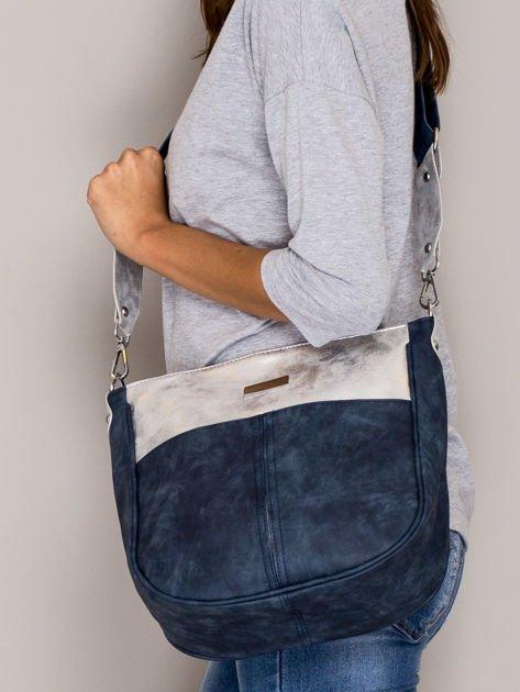 Ciemnoniebieska torba z błyszczącym modułem                                   zdj.                                  4