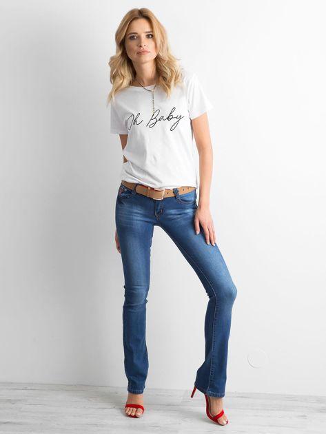 Ciemnoniebieskie jeansy boot-cut                              zdj.                              4