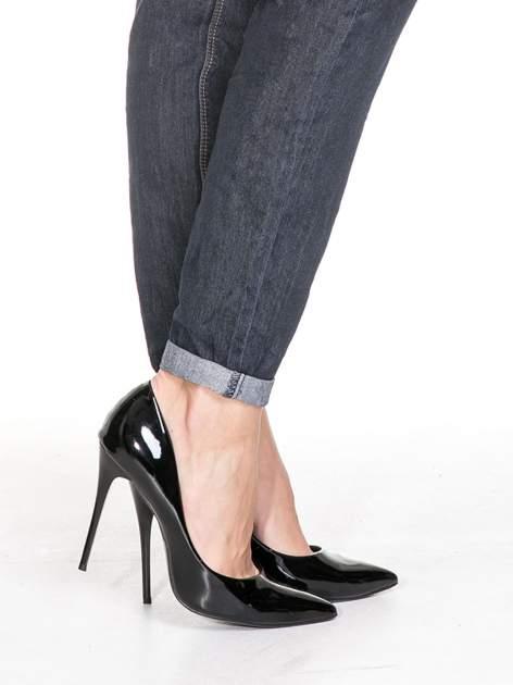 Ciemnoniebieskie klasyczne spodnie jeansowe rurki                                  zdj.                                  8