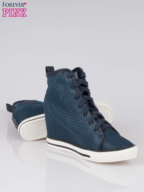 Ciemnoniebieskie siateczkowe sneakersy damskie                                  zdj.                                  4