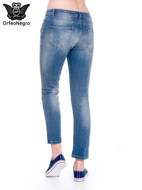 Ciemnoniebieskie spodnie girlfriend jeans z cieniowaniem                                  zdj.                                  6