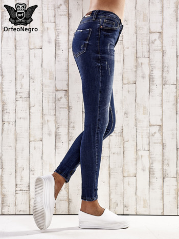 Ciemnoniebieskie spodnie skinny jeans z efektem marble denim                                  zdj.                                  3