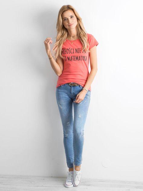 Ciemnopomarańczowa damska koszulka z napisem                              zdj.                              4