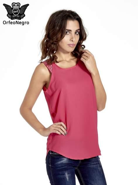 Ciemnoróżowa bluzka koszulowa z koralikami przy ramionach                                  zdj.                                  1