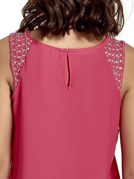 Ciemnoróżowa bluzka koszulowa z koralikami przy ramionach                                  zdj.                                  6