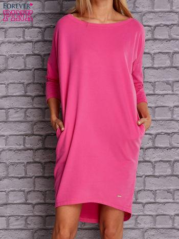 Ciemnoróżowa gładka sukienka oversize                                  zdj.                                  1