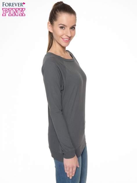 Ciemnoszara bawełniana bluzka z rękawami typu reglan                                  zdj.                                  3
