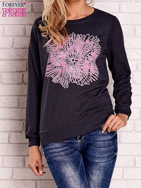 Ciemnoszara bluza z kolorowym nadrukiem                                  zdj.                                  1