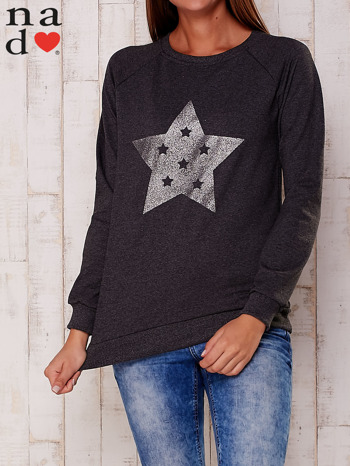 Ciemnoszara bluza z nadrukiem gwiazdy                                  zdj.                                  1