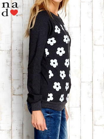 Ciemnoszara bluza z nadrukiem kwiatów                                  zdj.                                  3