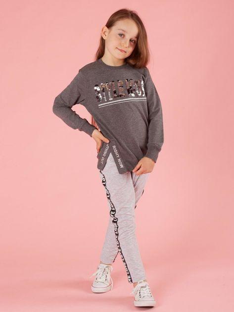 Ciemnoszara bluzka dziewczęca z cekinowym napisem                              zdj.                              4
