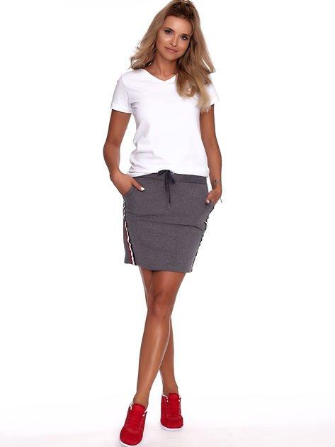 Ciemnoszara dresowa spódnica mini z kieszeniami i paskami                              zdj.                              4