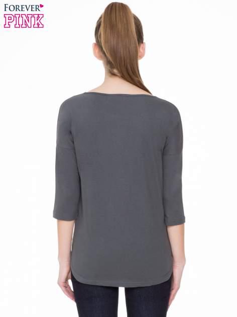 Ciemnoszara gładka bluzka z ozdobnymi przeszyciami                                  zdj.                                  4