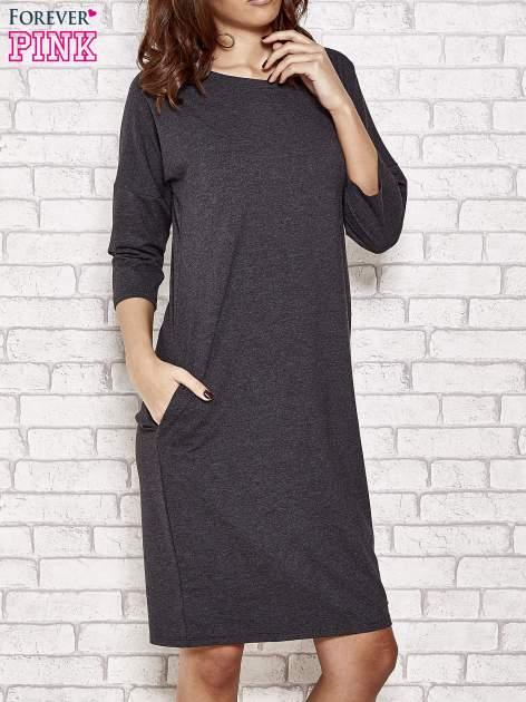 Ciemnoszara prosta sukienka dresowa                                  zdj.                                  1