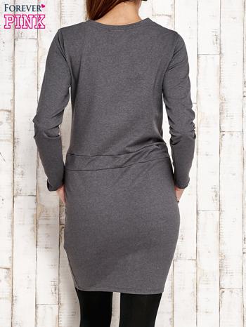 Ciemnoszara sukienka z wiązaniem                                   zdj.                                  3