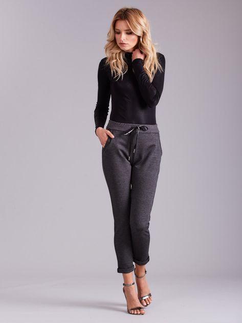 Ciemnoszare spodnie damskie z troczkami                              zdj.                              5
