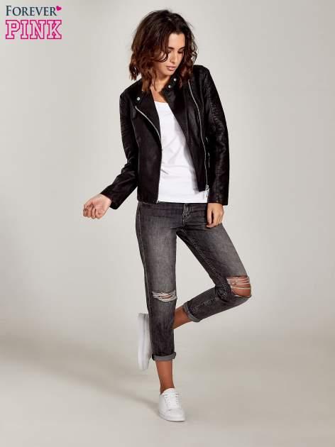 Ciemnoszare spodnie girlfriend jeans z rozcięciami na kolanach                                  zdj.                                  4