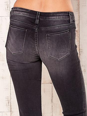 Ciemnoszare spodnie o kroju regular                                  zdj.                                  5