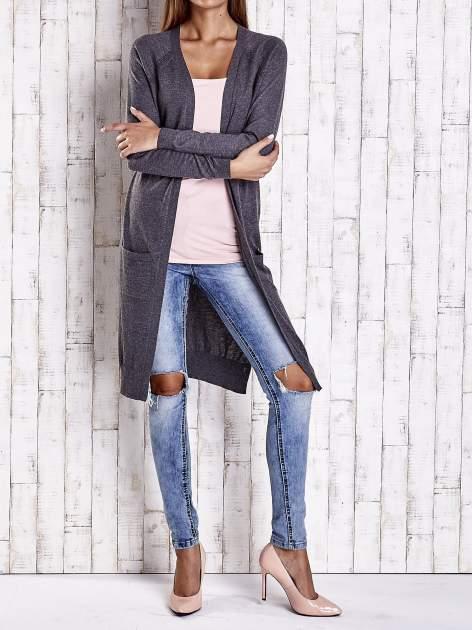 Ciemnoszary długi sweter z ażurowym zdobieniem szwów                                  zdj.                                  2