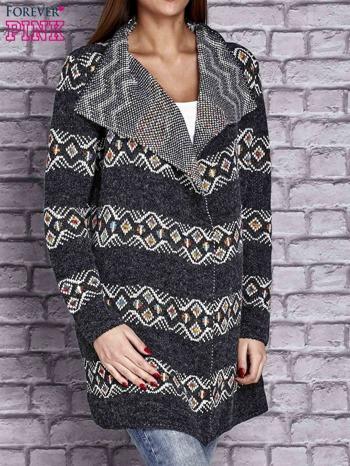 Ciemnoszary dzianinowy sweter z kolorowymi wzorami                                  zdj.                                  3