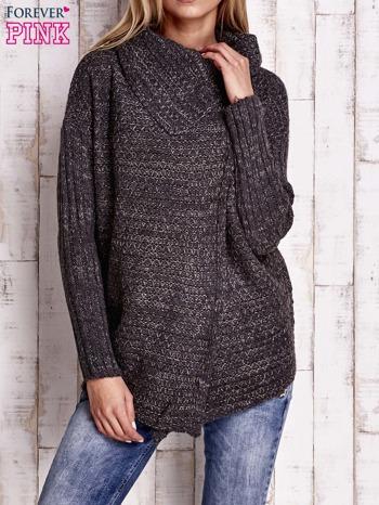 Ciemnoszary melanżowy sweter z szerokim kołnierzem                                  zdj.                                  1