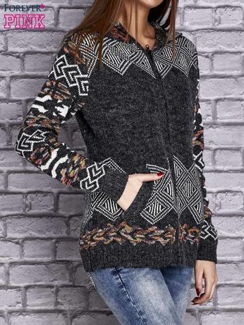 Ciemnoszary sweter long hair w azteckie motywy z kapturem                                  zdj.                                  3