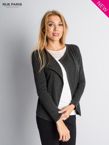 Ciemnoszary sweter narzutka z kaskadowymi bokami                                  zdj.                                  4