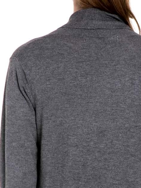 Ciemnoszary sweter narzutka z wywijanymi rękawami                                  zdj.                                  5