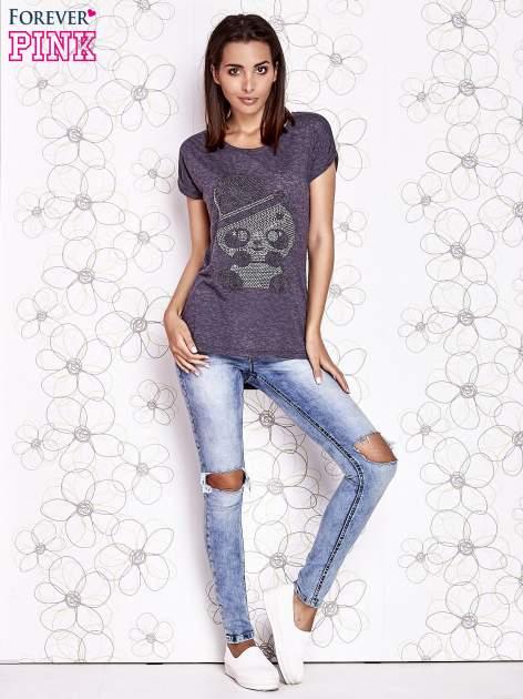 Ciemnoszary t-shirt z nadrukiem pandy                                  zdj.                                  4