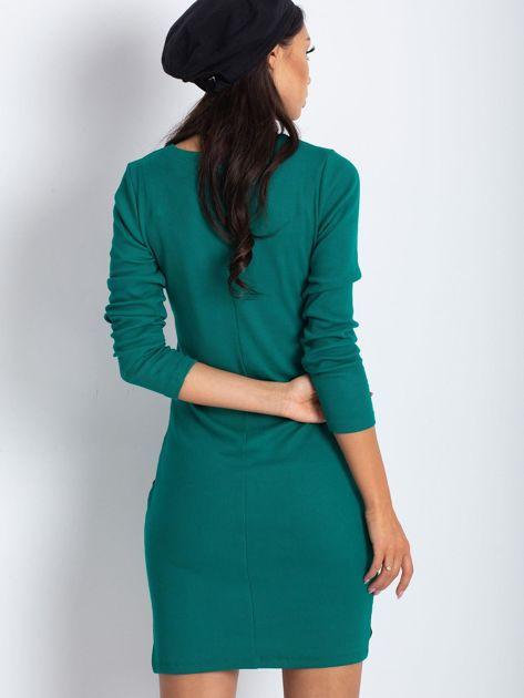 Ciemnozielona dopasowana sukienka z lampasami                              zdj.                              2