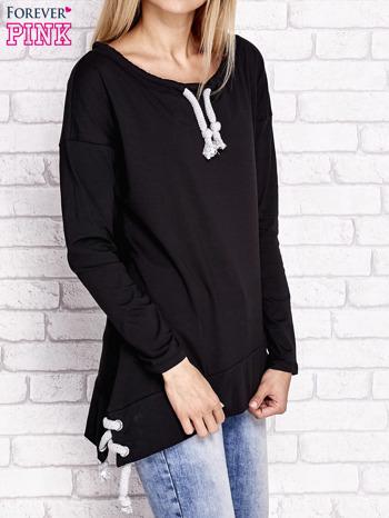 Czarna asymetryczna bluza z troczkami                              zdj.                              3