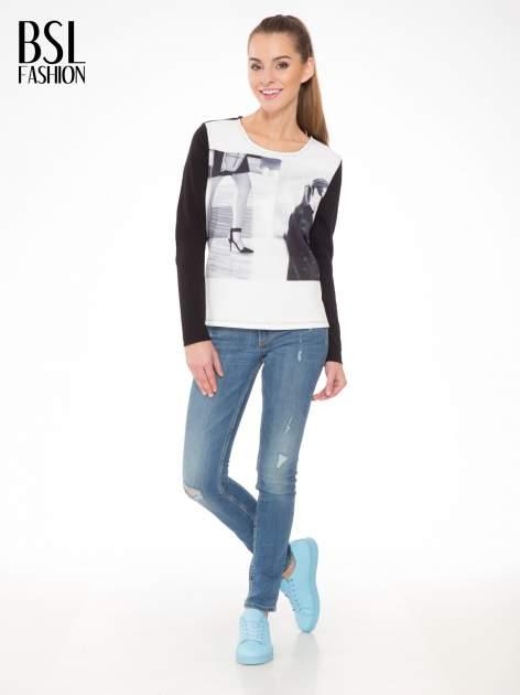 Czarna bluza z fotografią w stylu fashion                                  zdj.                                  2