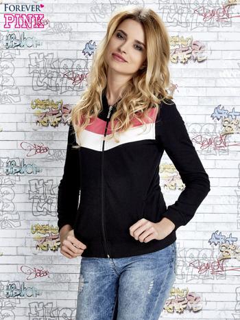 Czarna bluza z kapturem z kolorowymi przeszyciami                                  zdj.                                  5