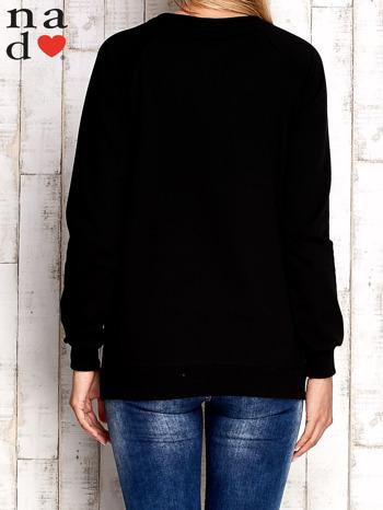 Czarna bluza z nadrukiem kwiatów                                  zdj.                                  2
