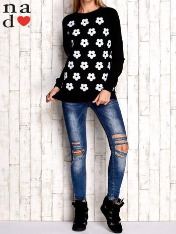 Czarna bluza z nadrukiem kwiatów                                  zdj.                                  3