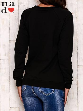 Czarna bluza z nadrukiem misia i napisem NICE                                  zdj.                                  5