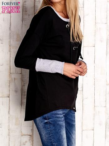 Czarna bluza z wiązaniem i szerokim ściągaczem                              zdj.                              3
