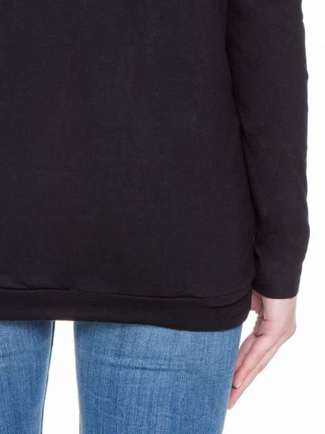 Czarna bluzka dresowa z kołnierzokapturem i ściągaczem na dole                                  zdj.                                  8