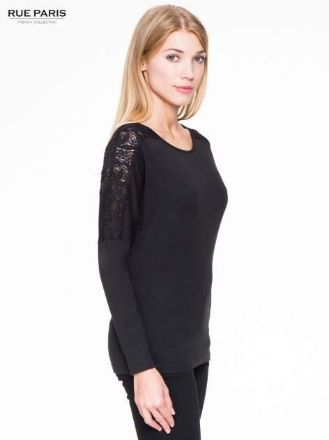 Czarna bluzka z koronkową wstawką na rękawach i z tyłu                                  zdj.                                  3