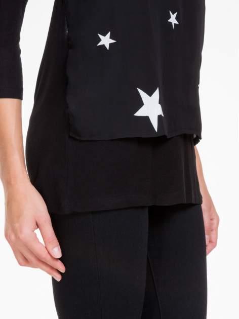 Czarna bluzka z nadrukiem białych gwiazdek                                  zdj.                                  7