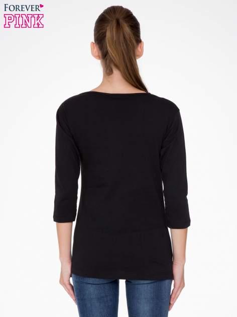 Czarna bluzka z nadrukiem loga Instagrama                                  zdj.                                  4