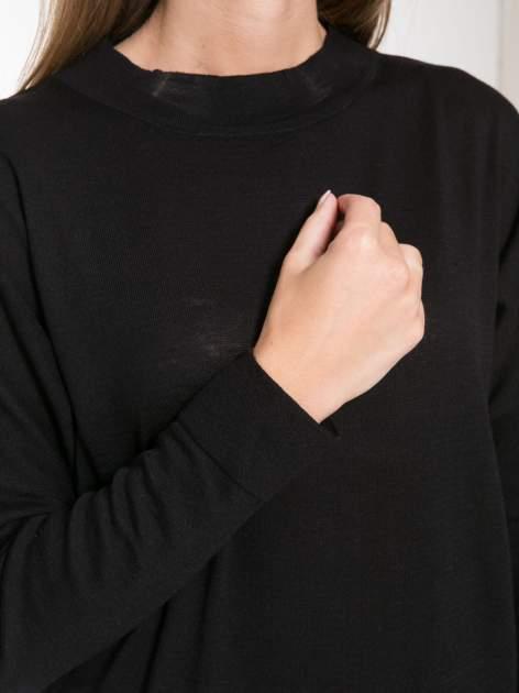 Czarna bluzka z obniżoną linią ramion                                  zdj.                                  7