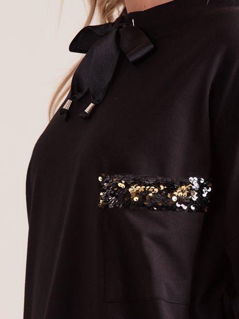 Czarna bluzka z wiązaniem i cekinami                              zdj.                              6