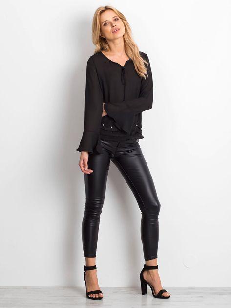 Czarna bluzka z wiązaniem i perełkami                                   zdj.                                  4
