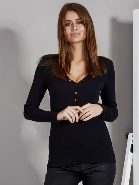 Czarna bluzka z zatrzaskami przy dekolcie                               zdj.                              1