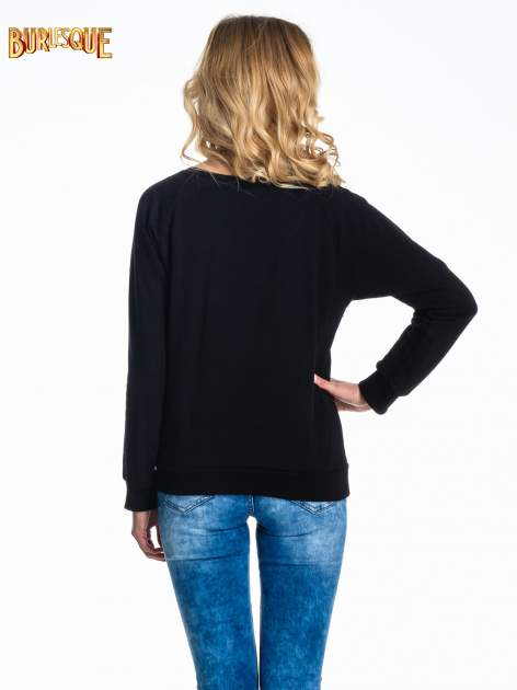 Czarna damska bluza z napisem AWAY FROM THE PAST                                  zdj.                                  2